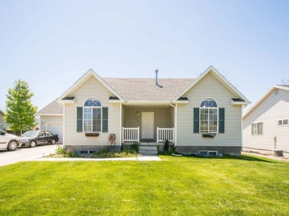 3 bed 2 bath Single Family at 2110 E Autumn St Eagle Mountain, UT, 84005 is for sale at 230k - 1 of 25