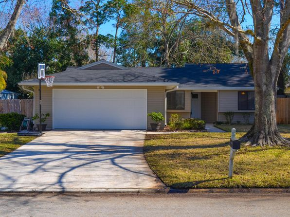 3 bed 2 bath Single Family at 3159 VINE ST ORANGE PARK, FL, 32065 is for sale at 195k - 1 of 13