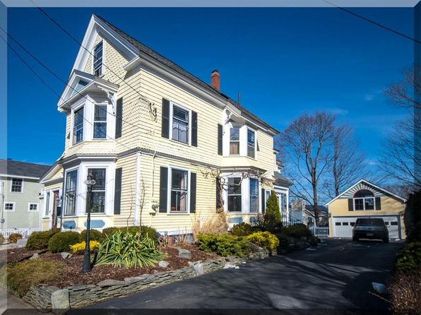 4 bed 3 bath Single Family at 6 DEXTER ST NEWBURYPORT, MA, 01950 is for sale at 779k - 1 of 18