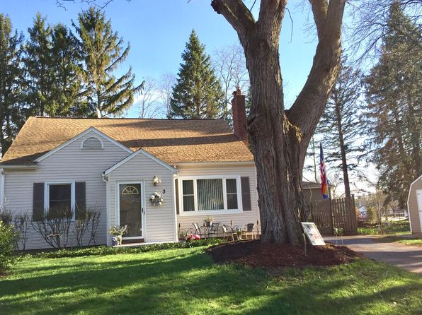 3 bed 2 bath Single Family at 3 Elmcroft Rd Rochester, NY, 14609 is for sale at 143k - 1 of 19