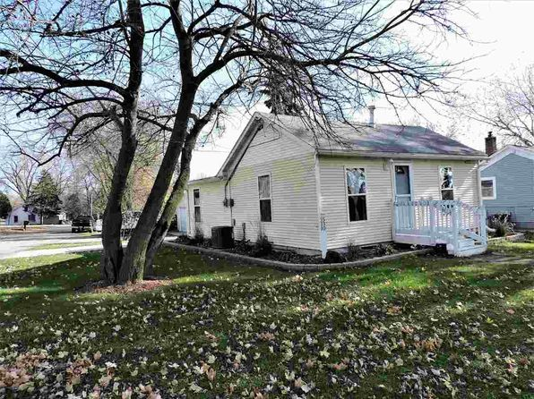 2 bed 1 bath Single Family at 530 Oak St Omro, WI, 54963 is for sale at 85k - 1 of 30
