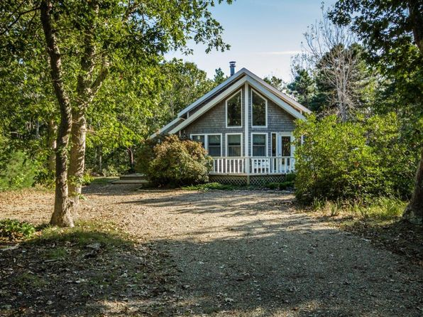 3 bed 2 bath Single Family at 58 Road To The Plns Edgartown, MA, 02539 is for sale at 825k - 1 of 28