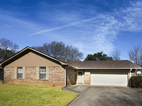 3 bed 2 bath Single Family at 1817 BLUERIDGE PKWY LONGVIEW, TX, 75605 is for sale at 145k - 1 of 18