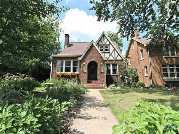 3 bed 2 bath Single Family at 611 W Melbourne Ave Peoria, IL, 61604 is for sale at 154k - 1 of 30
