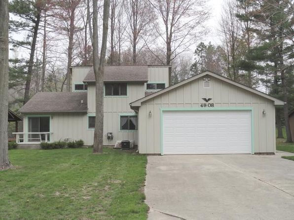 3 bed 2 bath Single Family at 4908 Queens Cir Gladwin, MI, 48624 is for sale at 200k - 1 of 29