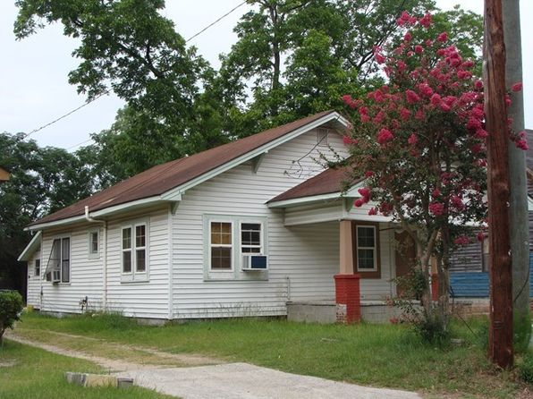 3 bed 1 bath Single Family at 521 1st St NW Moultrie, GA, 31768 is for sale at 30k - google static map