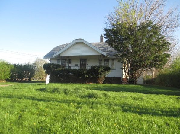 2 bed 1 bath Single Family at 111 E Church St Kewanee, IL, 61443 is for sale at 18k - 1 of 10