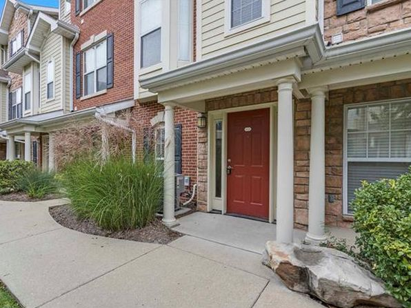 1 bed 2 bath Condo at 2638 MCKNIGHT CROSSING CT SAINT LOUIS, MO, 63124 is for sale at 166k - 1 of 24