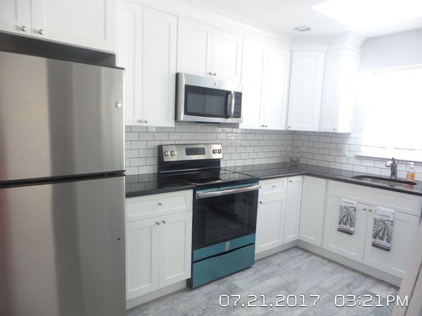 2 bed 2 bath Single Family at 250 Edinburgh Dr Ridge, NY, 11961 is for sale at 243k - 1 of 5