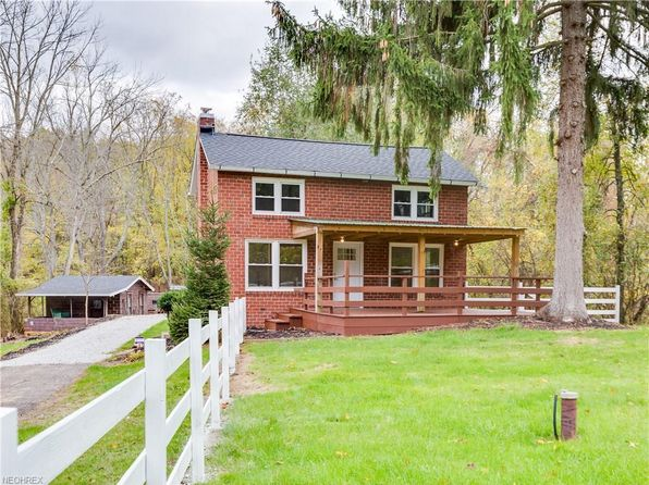 2 bed 2 bath Single Family at 10088 Forty Corners Rd NW Massillon, OH, 44647 is for sale at 248k - 1 of 33