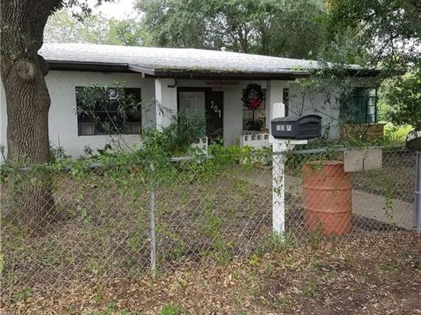 4 bed 2 bath Single Family at 207 Saint Joseph St Alice, TX, 78332 is for sale at 78k - 1 of 13