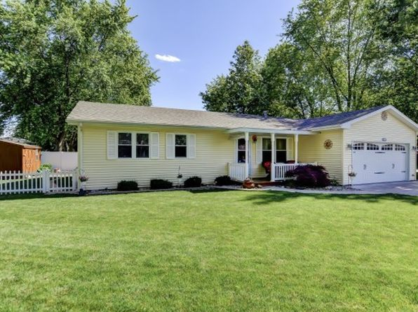 3 bed 2 bath Single Family at 521 McGaughey Dr Mt Zion, IL, 62549 is for sale at 125k - 1 of 21