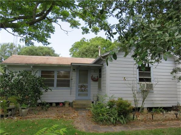 3 bed 1 bath Single Family at 1723 Gray St Palacios, TX, 77465 is for sale at 76k - 1 of 27