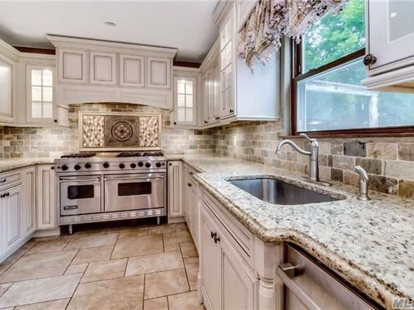 4 bed 4 bath Single Family at 111 Midwood Ave Nesconset, NY, 11767 is for sale at 630k - 1 of 17