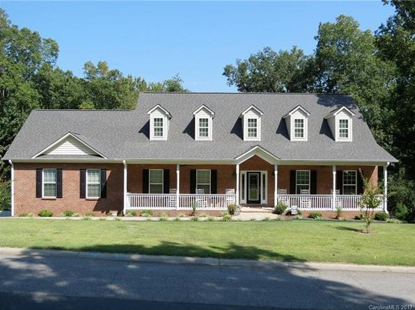 3 bed 2 bath Single Family at 2804 Arrowwood Ln Rock Hill, SC, 29732 is for sale at 285k - 1 of 24