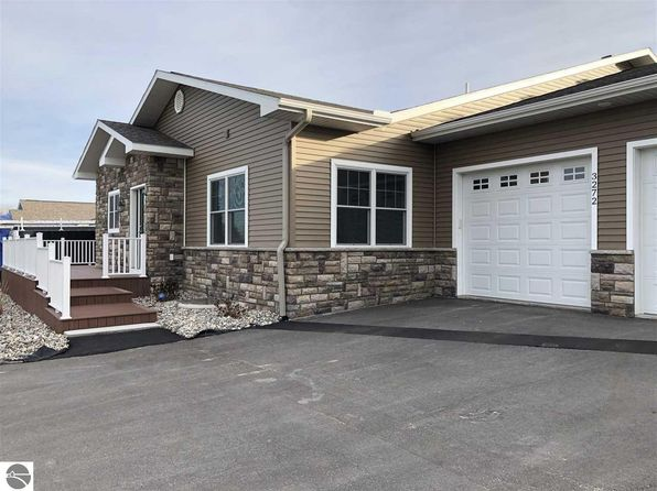 2 bed 2 bath Single Family at 3272 Wexford Dr Traverse City, MI, 49685 is for sale at 327k - 1 of 7