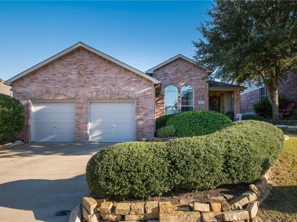 3 bed 2 bath Single Family at 12625 Viewpoint Ln Burleson, TX, 76028 is for sale at 179k - 1 of 33