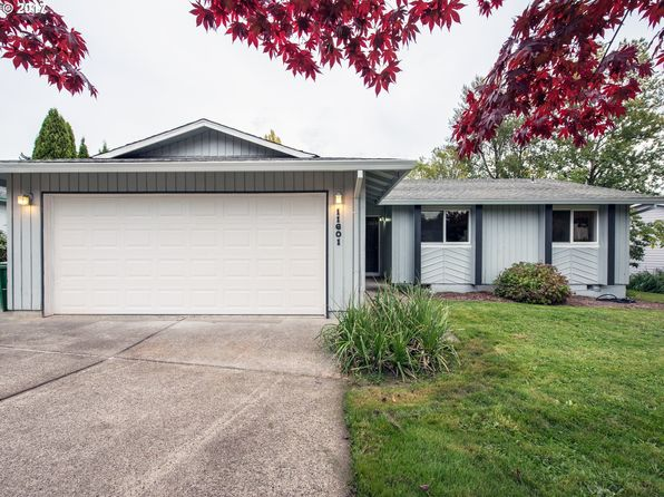 3 bed 2 bath Single Family at 11601 SE Falbrook Dr Clackamas, OR, 97015 is for sale at 343k - 1 of 21