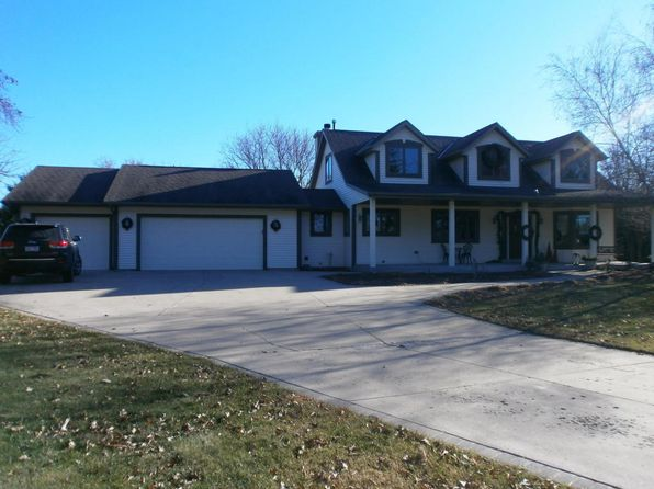 4 bed 4 bath Single Family at W292N7560 Dorn Rd Hartland, WI, 53029 is for sale at 380k - 1 of 23