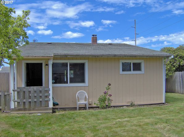 2 bed 1 bath Single Family at 534 Art St Brookings, OR, 97415 is for sale at 189k - 1 of 20