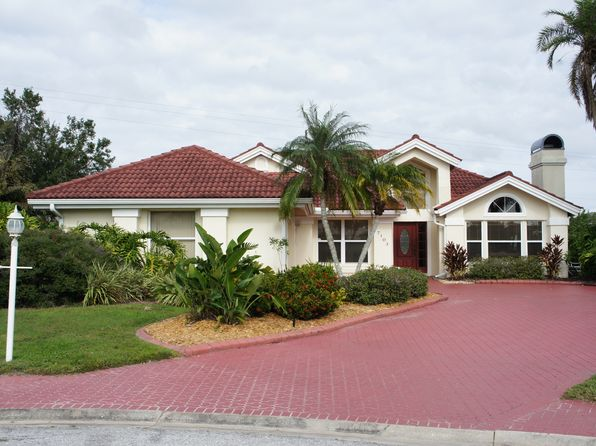 3 bed 2 bath Single Family at 7103 39th Ln E Sarasota, FL, 34243 is for sale at 339k - 1 of 24