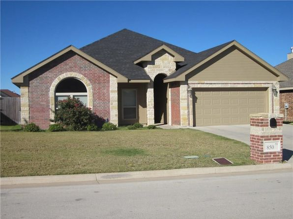 4 bed 2 bath Single Family at 850 Flat Water Dr Abilene, TX, 79602 is for sale at 215k - 1 of 27