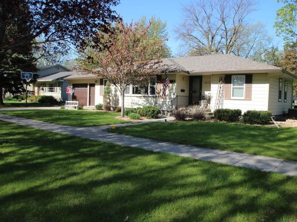 3 bed 2 bath Single Family at 1817 Wisconsin Ave SW Huron, SD, 57350 is for sale at 160k - 1 of 45