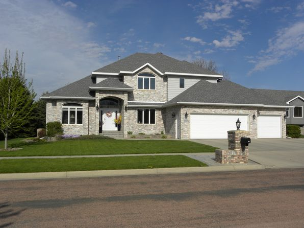 4 bed 4 bath Single Family at 1117 17th St NE Watertown, SD, 57201 is for sale at 460k - 1 of 37