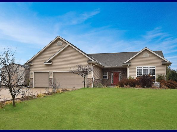 3 bed 2 bath Single Family at 7605 Fairway Ln West Bend, WI, 53090 is for sale at 325k - 1 of 25