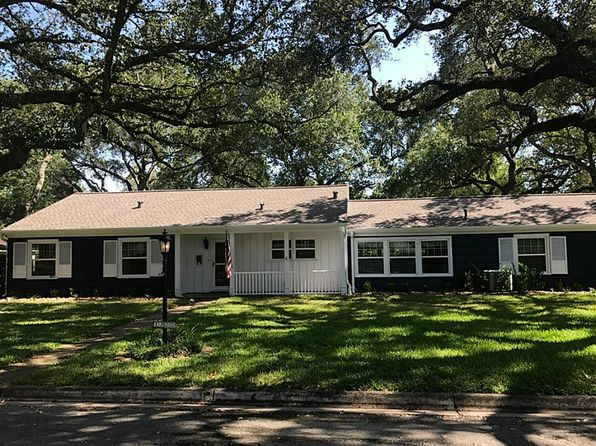 2 bed 2 bath Single Family at 1300 Avenue K Rosenberg, TX, 77471 is for sale at 159k - 1 of 27