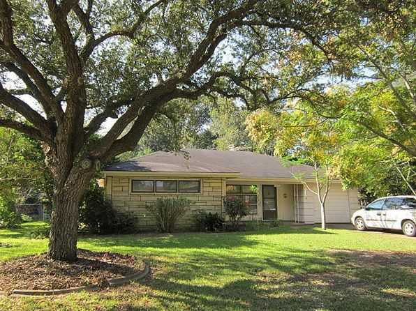 3 bed 2 bath Single Family at 502 Tennie St Wharton, TX, 77488 is for sale at 115k - 1 of 18