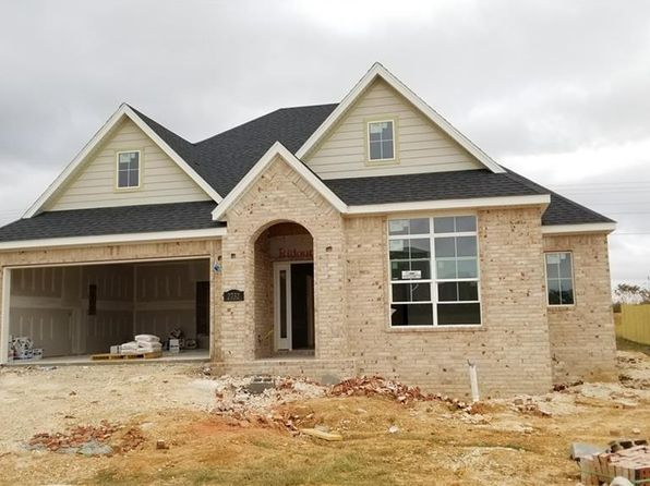 3 bed 2 bath Single Family at 2732 N French Hill Ln Fayetteville, AR, 72704 is for sale at 279k - 1 of 7