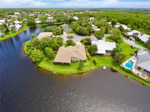 3 bed 2 bath Single Family at 9030 SE Breeze Way Hobe Sound, FL, 33455 is for sale at 400k - 1 of 14