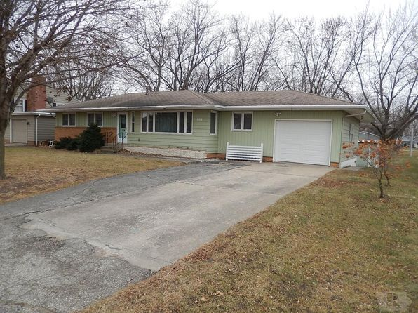 4 bed 2 bath Single Family at 900 9th St N Humboldt, IA, 50548 is for sale at 110k - 1 of 27