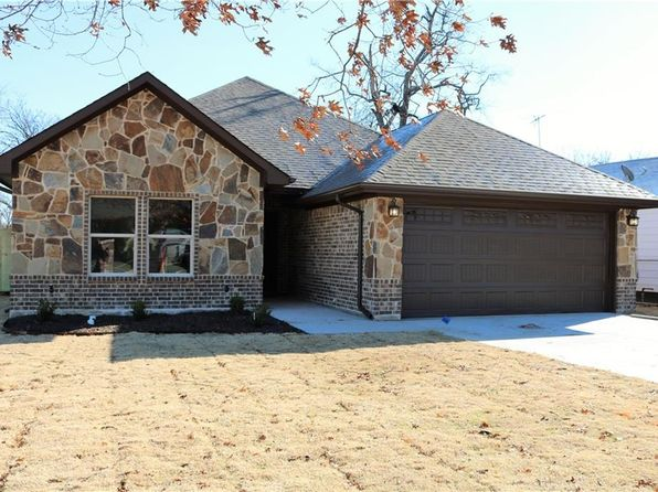 3 bed 2 bath Single Family at 220 N Normandale St Fort Worth, TX, 76108 is for sale at 218k - 1 of 26