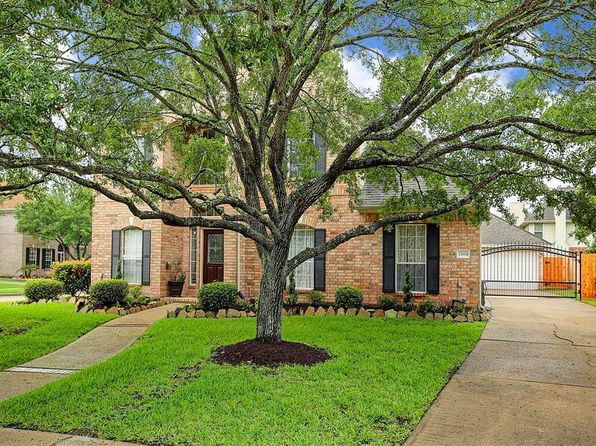 4 bed 3 bath Single Family at 13914 Green Ivy Ct Houston, TX, 77059 is for sale at 325k - 1 of 22