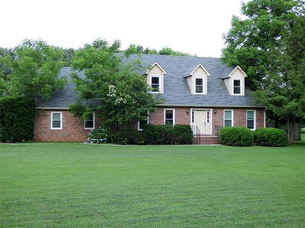 4 bed 3 bath Single Family at 1108 Country Club Dr Tullahoma, TN, 37388 is for sale at 185k - 1 of 13