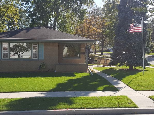 3 bed 2 bath Single Family at 8131 W Morgan Ave Milwaukee, WI, 53220 is for sale at 145k - 1 of 29