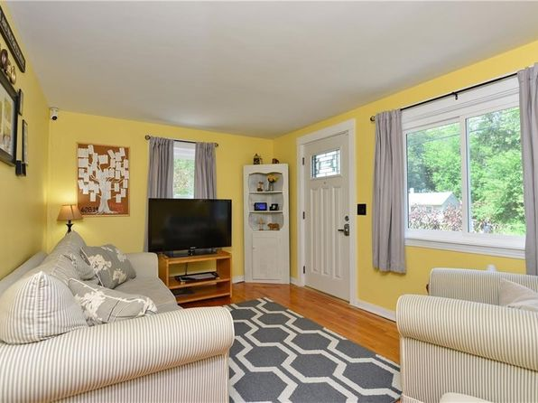 3 bed 1 bath Single Family at 80 Angus St Coventry, RI, 02816 is for sale at 180k - 1 of 27