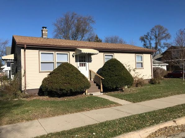 3 bed 1 bath Single Family at 221 S Elmwood Ave Waukegan, IL, 60085 is for sale at 115k - 1 of 13