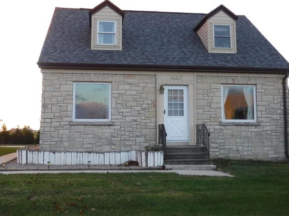 4 bed 2 bath Single Family at 14312 State Highway 42 Two Rivers, WI, 54241 is for sale at 180k - 1 of 25