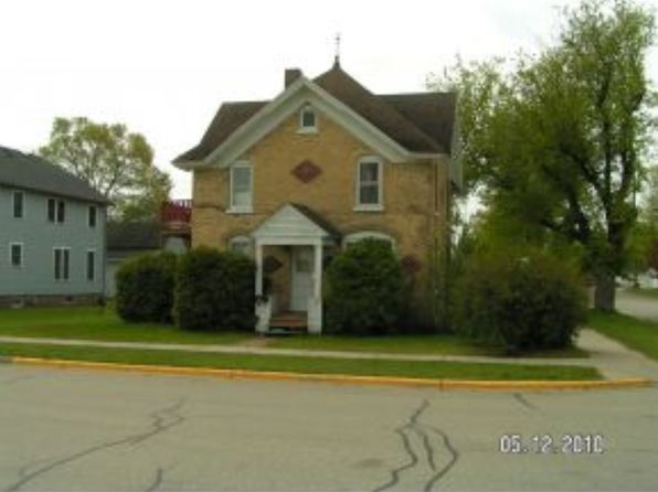 4 bed 2 bath Single Family at 218 W Richmond St Shawano, WI, 54166 is for sale at 38k - google static map