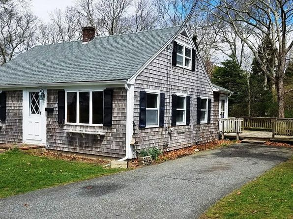 4 bed 1 bath Single Family at 27 Johnson St Falmouth, MA, 02540 is for sale at 379k - 1 of 4