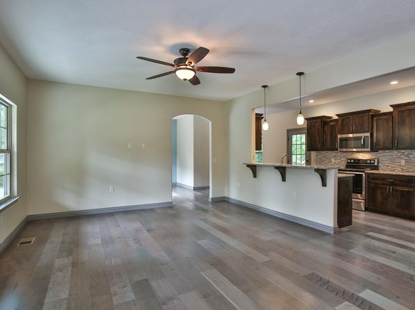4 bed 3 bath Single Family at 1436 S Pickwick Ave Springfield, MO, 65804 is for sale at 265k - 1 of 57