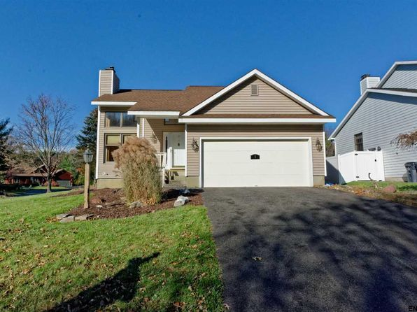 3 bed 2 bath Single Family at 5 Valleywood Dr Niskayuna, NY, 12309 is for sale at 265k - 1 of 25