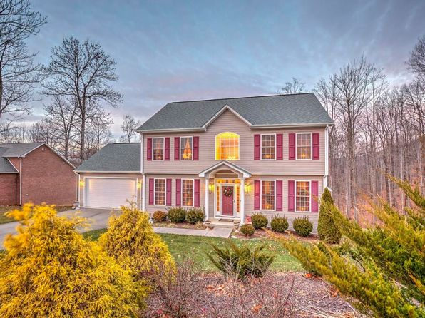 3 bed 3 bath Single Family at 207 Four Seasons Dr Troutville, VA, 24175 is for sale at 335k - 1 of 35