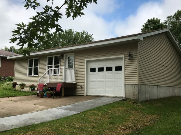 2 bed 2 bath Single Family at 109 11th Ave NW Waukon, IA, 52172 is for sale at 159k - 1 of 21