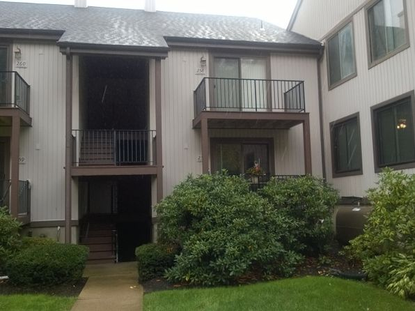 2 bed 2 bath Townhouse at 14257 Dell Pl Stanhope, NJ, 07874 is for sale at 135k - 1 of 7