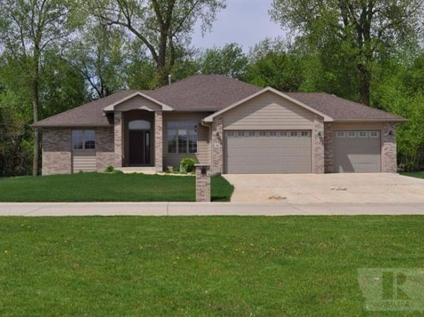 5 bed 3 bath Single Family at 36 Venetian Dr Clear Lake, IA, 50428 is for sale at 398k - 1 of 23