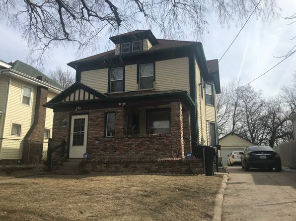 4 bed 2 bath Single Family at 1814 Court St Sioux City, IA, 51104 is for sale at 95k - google static map